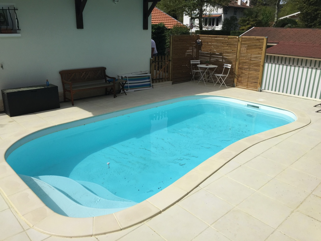 Passion piscines piraillan for Design piscine